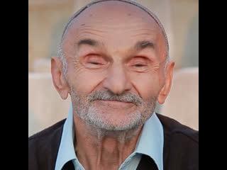 В Дагестане 83-летний дедушка каждое утро ходит на пробежку