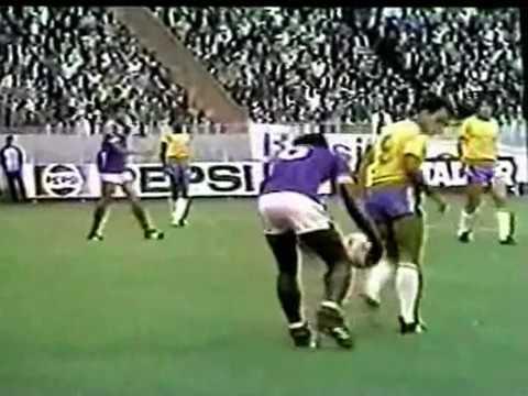 Friendly Match 1981 France x Brazil Pele é Homenageado