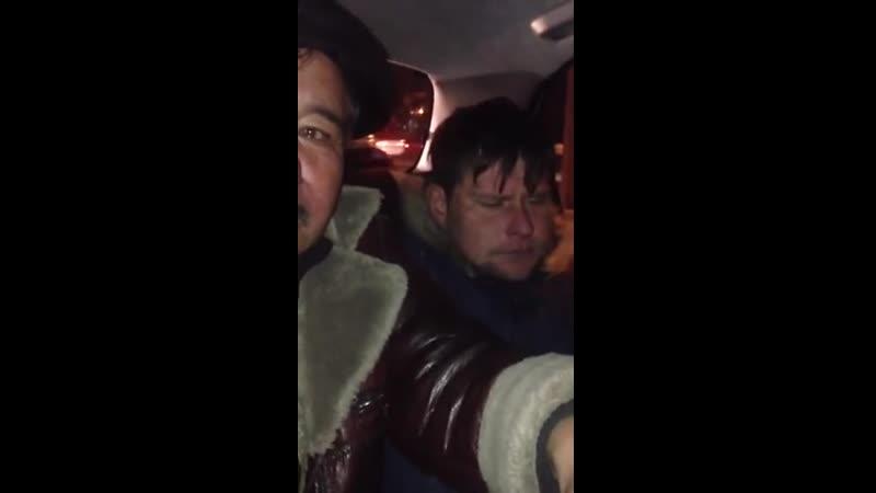 ПРИКОЛ ржака Казах и Русский в Ментовской машине