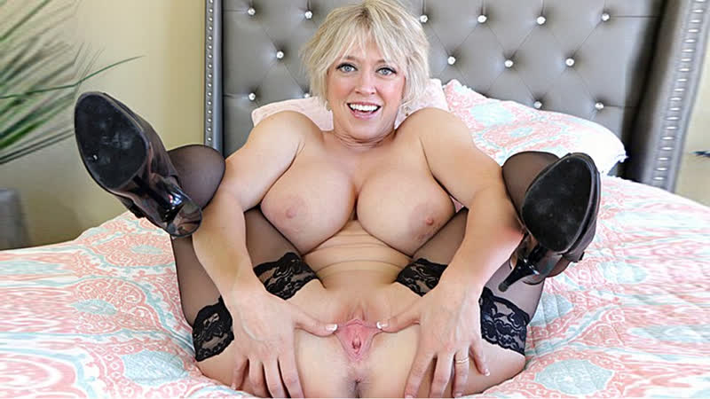 Blonde Emo Teen Big Tits