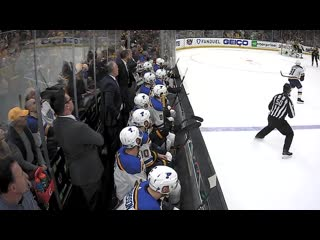 Jake allen gloves puck on bench, gifts souvenir to young fan
