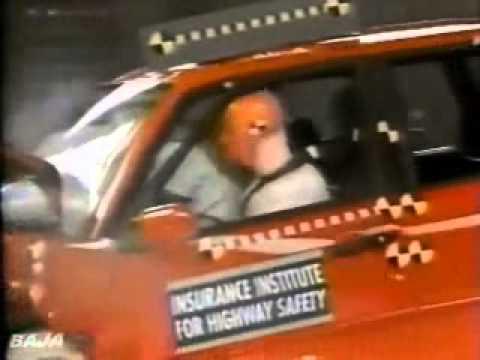 61 IIHS Crash Test 1993 1994 1995 Volkswagen Passat