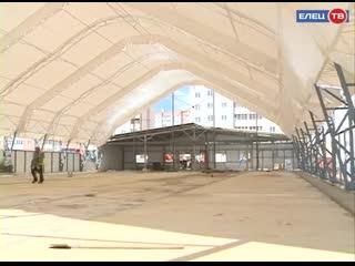 Корпус из металлоконструкций готов  продолжается строительство крытого футбольного манежа в микрорайоне Александровский