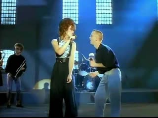 The communards feat. sarah jane morris_don't leave me this way (1986)