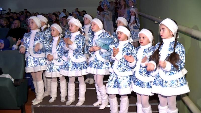 Более 400 детей поучаствовали в фестивале Рождественские огоньки в Рассказове