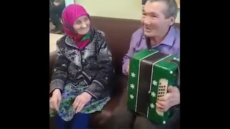 Брат с сестрой 40 лет искали друг друга
