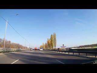 Лётчик на Мерсе протаранил столб и Toyota Land Cruiser. Воронеж. Перед Ашаном 19