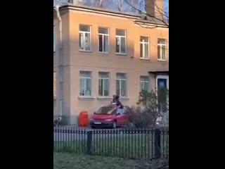 Побег из окна ОВД с трофеем