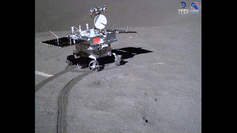 Движение лунохода Юйту 2 в точку А и поворот лицом к посадочному модулю Чанъэ 4