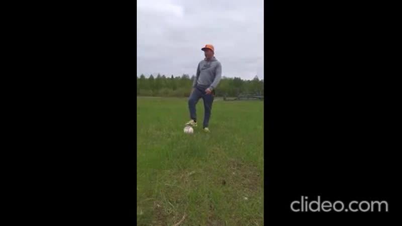 Упражнения для начинающих футболистов
