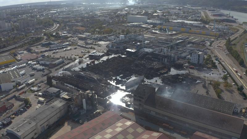 Des images de drone spectaculaires de l'usine de Lubrizol après l'incendie