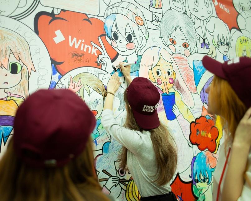 Стена-раскраска во время мероприятия