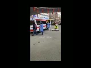 Но видео из Китая все еще напоминают зомби-апокалипсис
