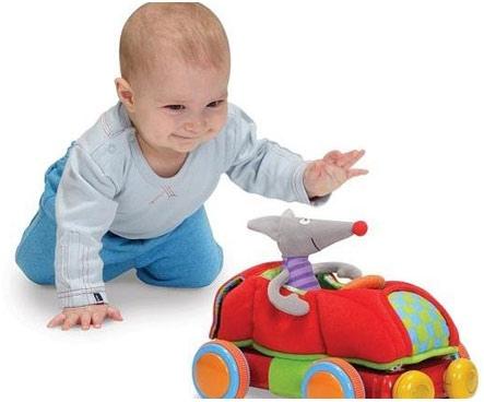Приближение первого в жизни ребенка дня рождения (не учитывая, конечно, день его появления на свет это волнительный период для всех родителей и людей, что примут непосредственное участие в