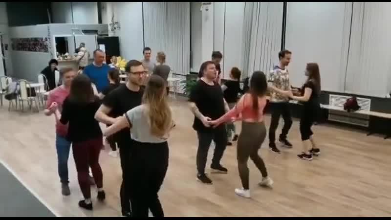 Танцуем в Spicy Salsa