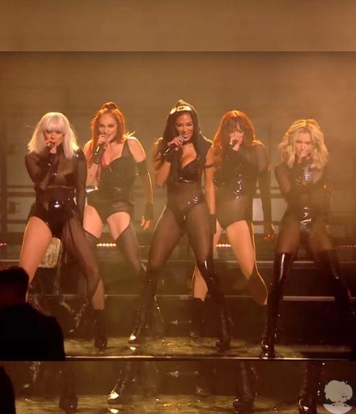 The Pussycat Dolls объявили о воссоединении. Певица и танцовщица Николь Шерзингер опубликовала в инстаграме пост, в котором объявила о воссоединении американской поп и R&B группы The Pussycat