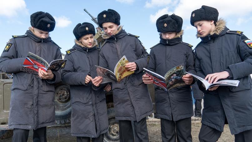 В Севастополе прошла военно-историческая реконструкция «Мы уходим», изображение №2