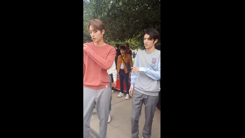 161119 ONER's Ling Chao fancam @ 《唱响新时代》 (Singing a New Era) backstage