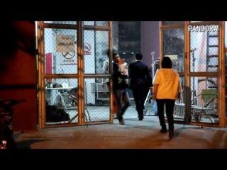 Fancam  walking to wrong rooms at Guangzhou filming