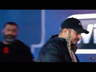 На съёмках телешоу глава «Лев Против» Михаил крепко зарядил в жбан рэперу Паше Технику