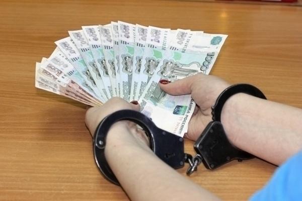 В КЧР мошенницу заставили вернуть украденные деньги