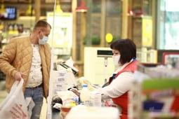 Суды рассмотрят 28 дел о нарушении масочного режима в липецких магазинах