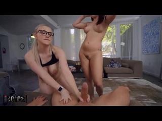 Emily Right, Kiara Edwards - две грязные шлюхи сделали шикарный минет [порно, ебля, инцест, секс, porn, Milf, home, шлюха, трах]