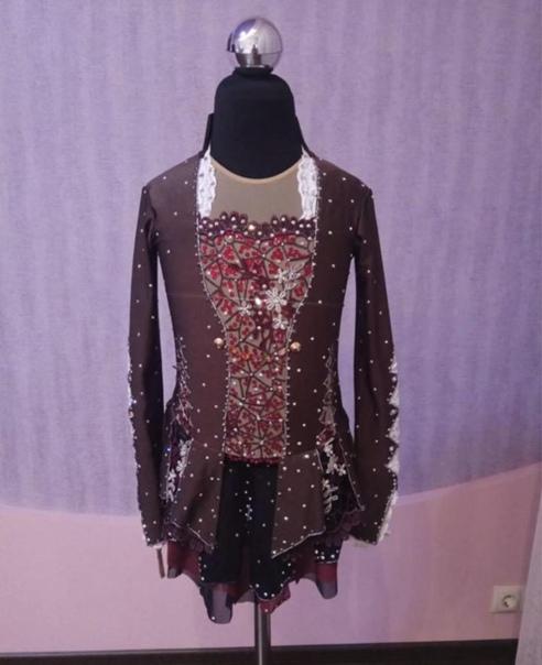 Предлагается к продаже платье для фигурного катани...