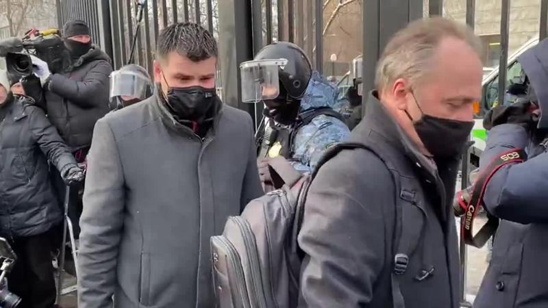 Иностранные дипломаты, явившиеся 20 февраля 2021 в Бабушкинский суд