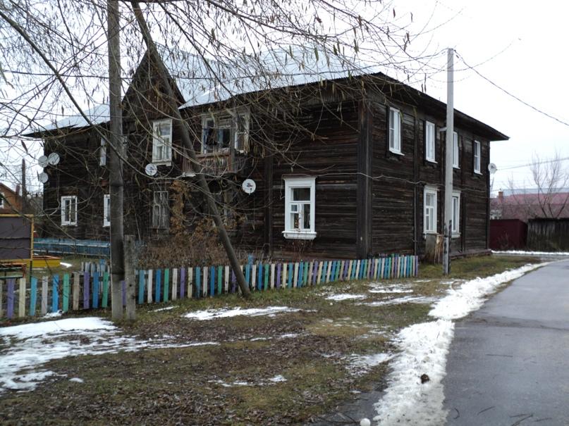 Типовая советская жилая архитектура 50-х годов в Белоомуте., изображение №16