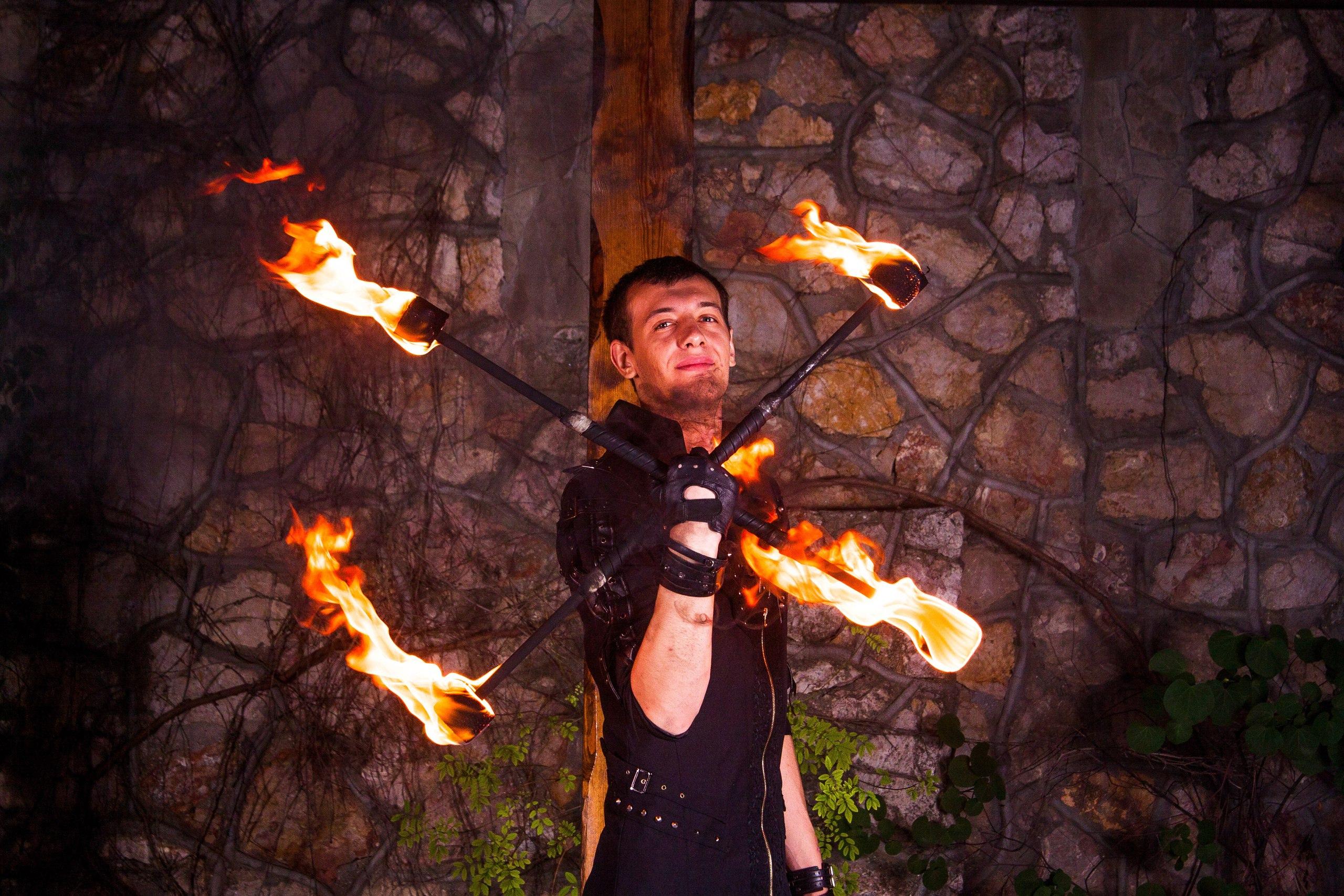 Создание образа для огненного шоу