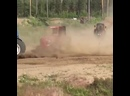 Гонки на тракторах.mp4