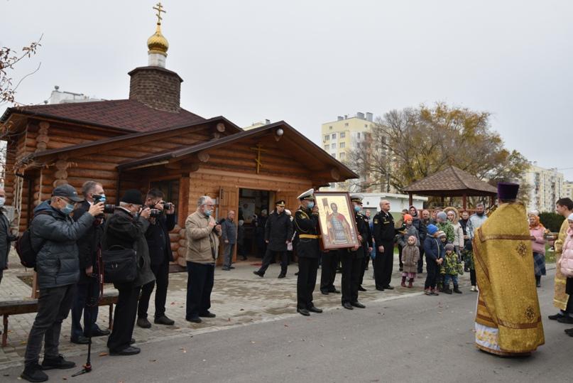 Черноморский флот получил в дар икону покровителя морской пехоты, изображение №3