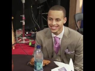 Карри выбирают на Драфте НБА