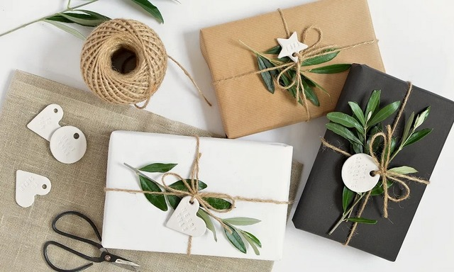 как оформить подарок природными материалами,