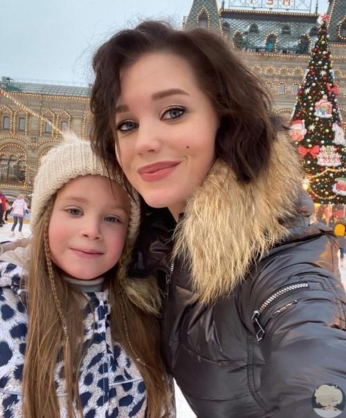 Кристина Асмус с дочкой Анастасией