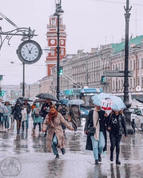 Особая атмосфера Санкт-Петербурга☔️🌧  📷natalia_kra...