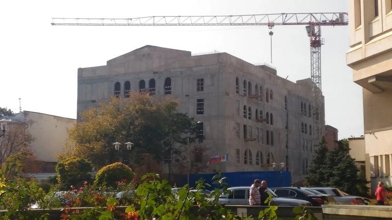 Подрядчика завершения строительства театра кукол в Симферополе выберут в течение месяца