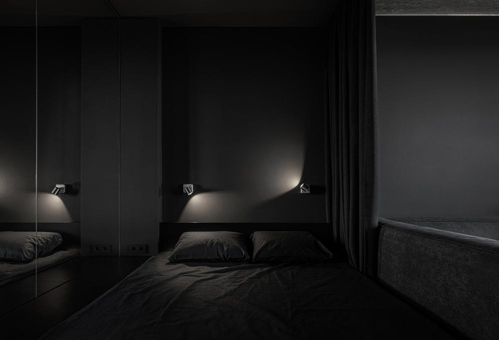 Темный минималистичный интерьер квартиры 40 кв.
