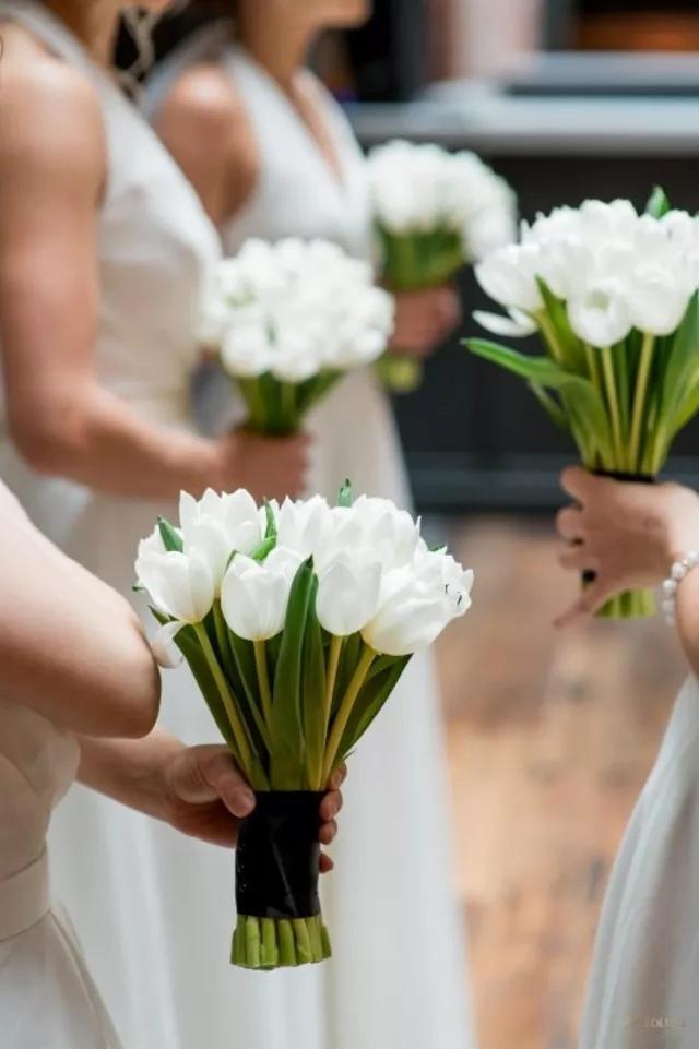 aloPEXuy3ns - Букет невесты из тюльпанов