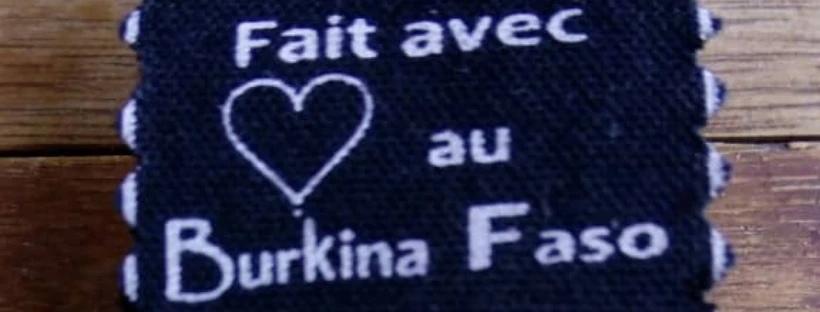 L'étiquette de produits wax de Sunoogo « Faits avec cœur au Burkina Faso »