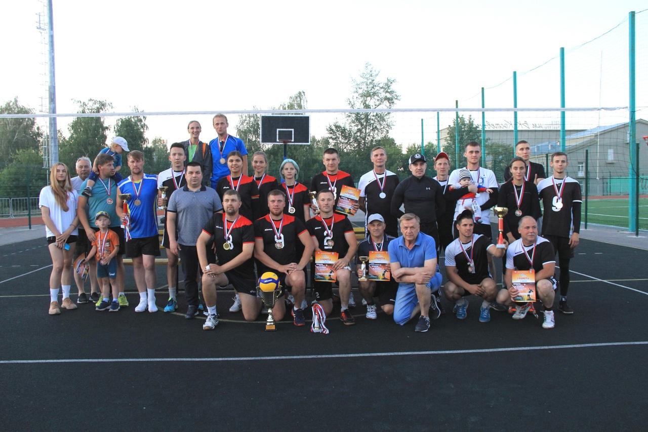 Завершилось Первенство города Ирбита по волейболу среди взрослых смешанных команд сезон 2021