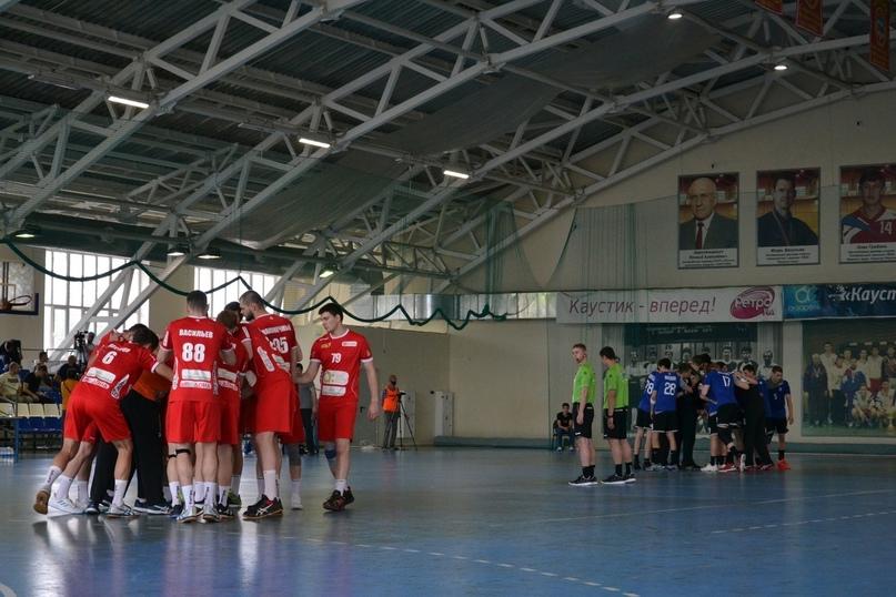 Два школьных зала, два вузовских, два строящихся, два неприкаянных клуба. Где играют в мужской Суперлиге?, изображение №14