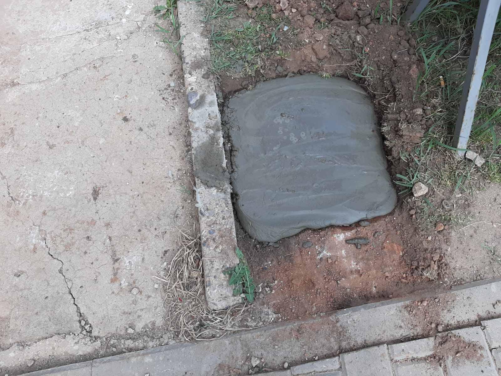 Ломоносова 18 заливка бетонных оснований для урн