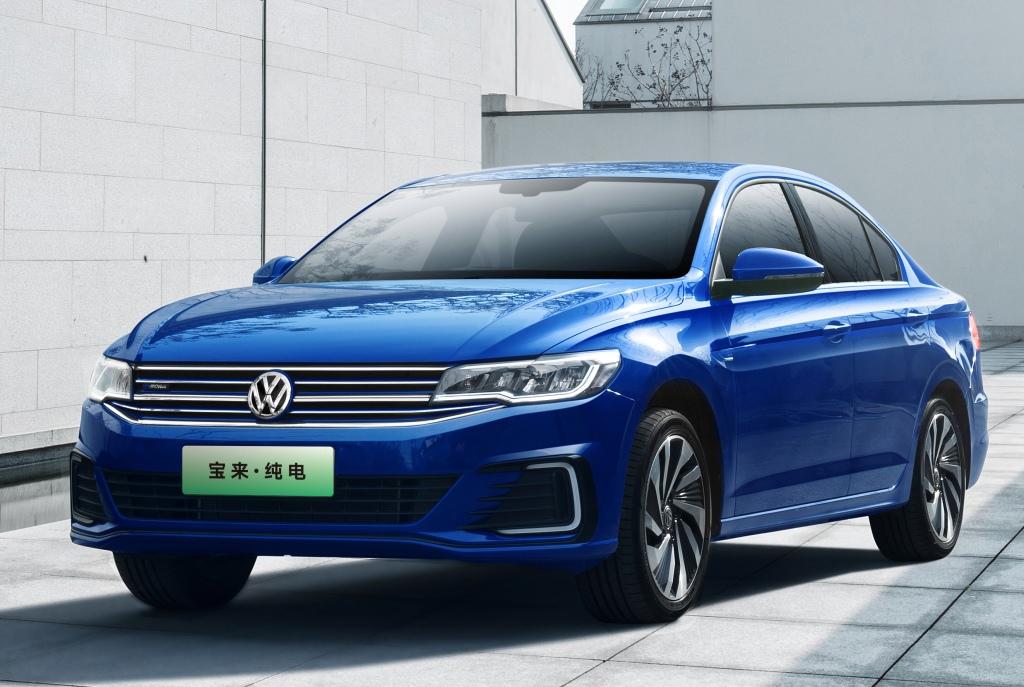 7 место: Volkswagen Bora — 108 846 шт., 1,6% рынка
