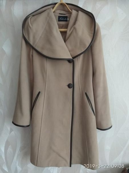 Пальто на 42-44 р, 1000 рВещи на 46-48 р, 1000 р...