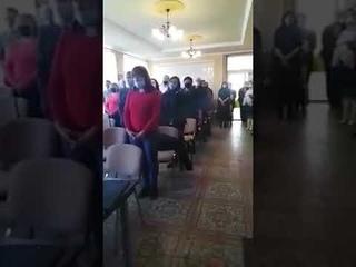 Зрада! Украинские депутаты после присяги спели гимн Венгрии!