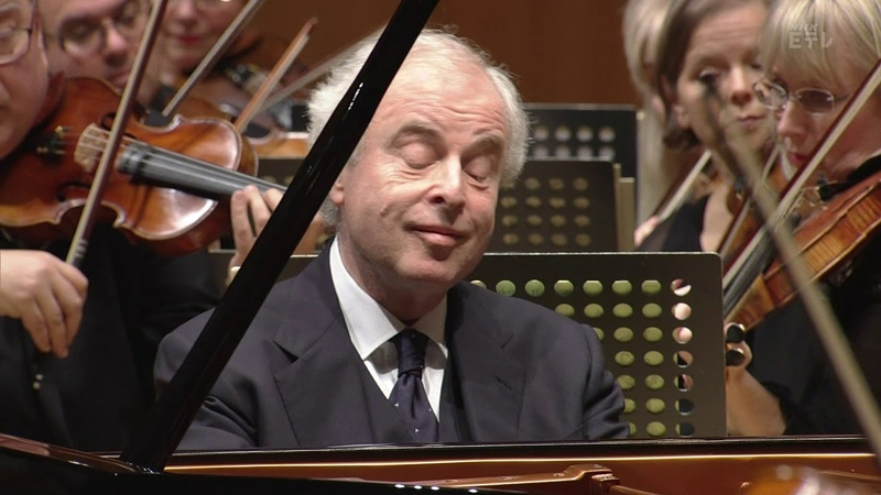András Schiff plays Beethoven's Piano Concerto No 2 No 3 No 4