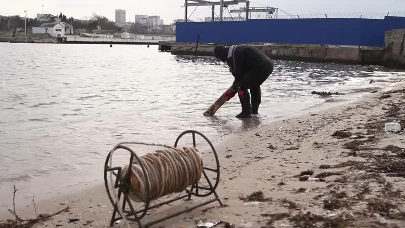 Севастопольские водолазы МЧС обследовали морское дно в местах крещенских купаний