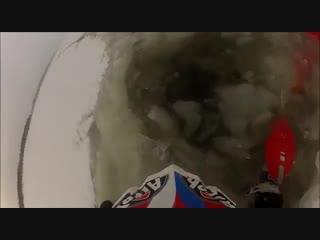 Мотоцикл ушёл под лёд, утонул (зимнее эндуро, эндурист на реке)